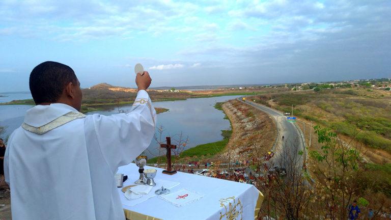 Paróquia Senhora Sant'Ana celebra tríduo em honra a São Francisco de Assis