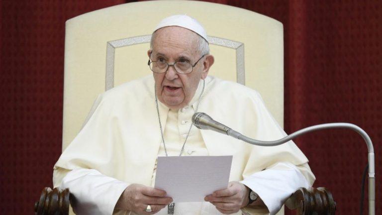 Papa: a ciência e a fé em diálogo intenso pela conversão ecológica